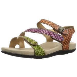 L'Artiste by Spring Step Women's Sandals